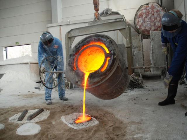 casting the bronze